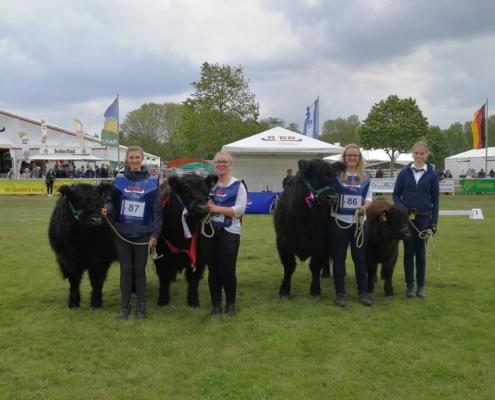 Das Team Tornow mit seinen erfolgreichen Tieren